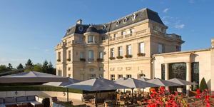 chateau-hotel-mont-royal-chantilly-facade-2_1