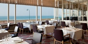 le-grand-hotel-des-thermes-a-saint-malo-restaurant-1