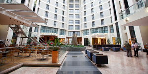 sofitel-london-gatwick-united-kingdom-meeting-hotel-facade-interieur